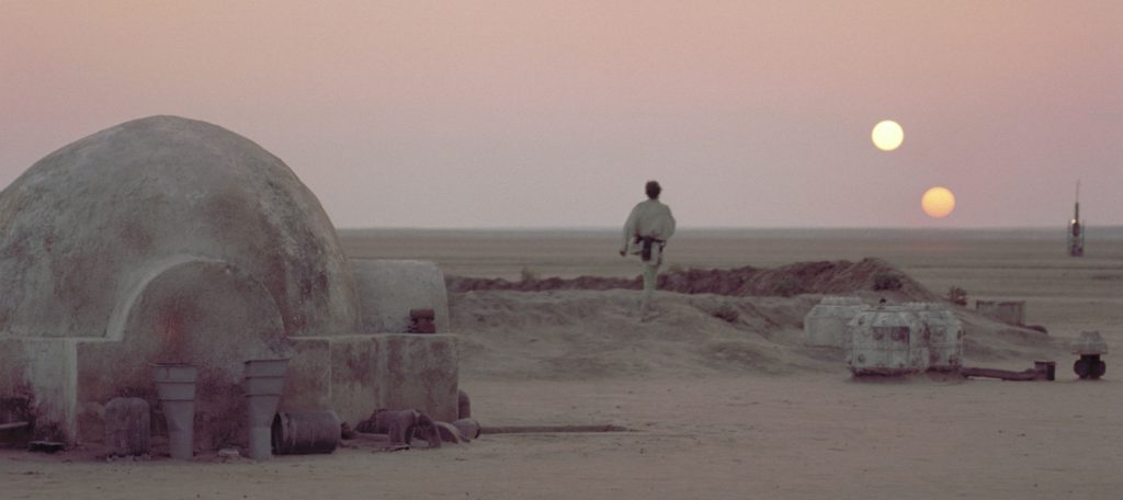 Title: STAR WARS ¥ Pers: HAMILL, MARK ¥ Year: 1977 ¥ Dir: LUCAS, GEORGE ¥ Ref: STA039PE ¥ Credit: [ LUCASFILM/20TH CENTURY FOX / THE KOBAL COLLECTION ]